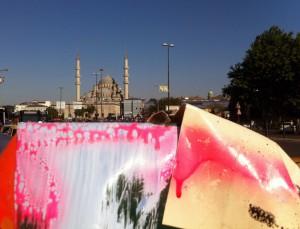 Istambul Große Moschee tent sculptures, 150622